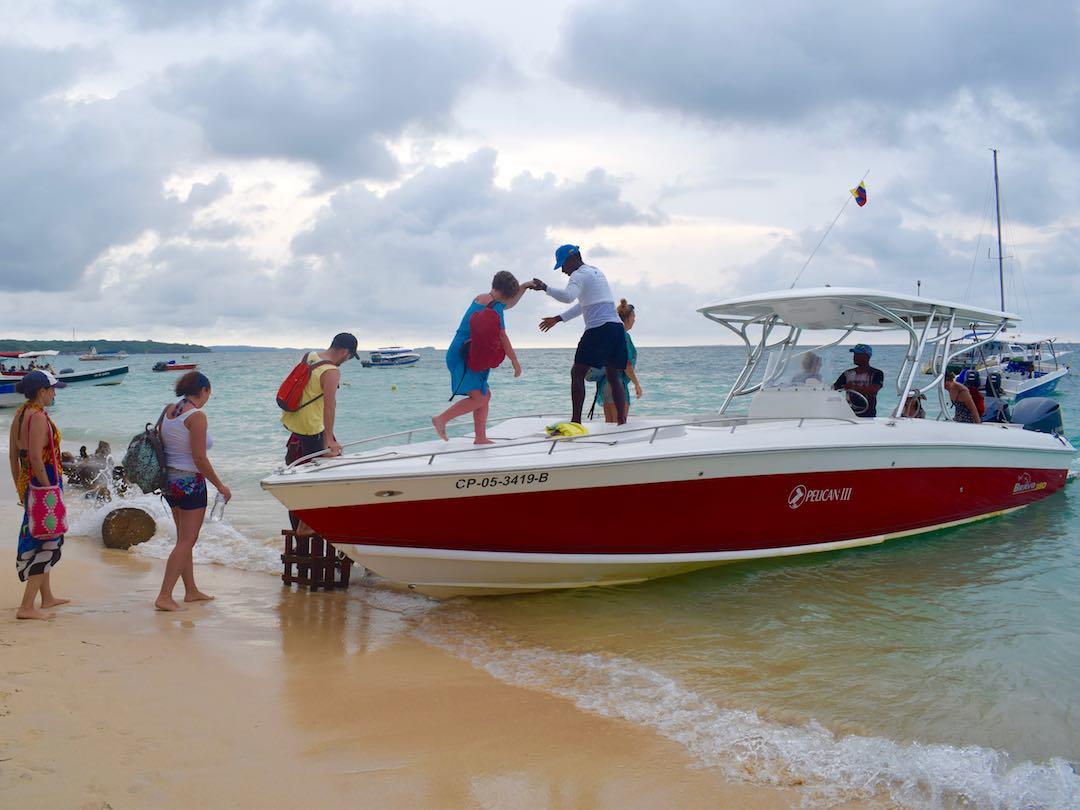 Private boat ride, rosario islands, cartagena