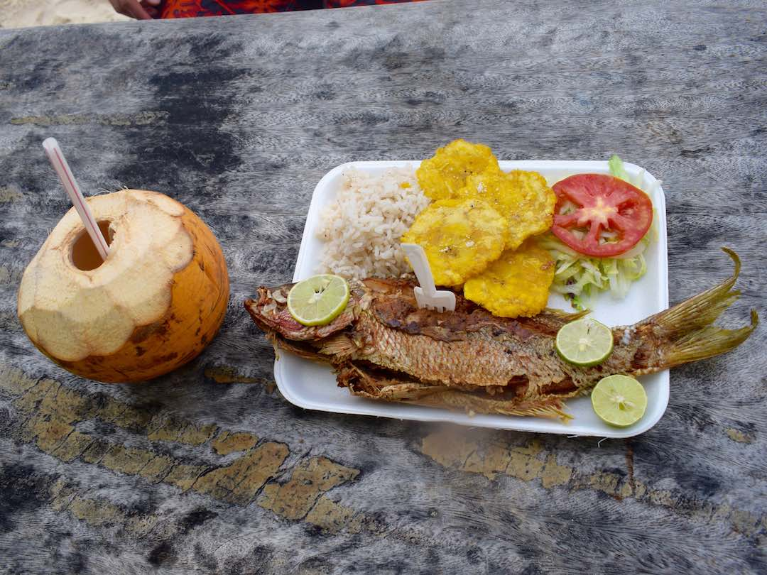 Authentic colombian food: pargo rojo