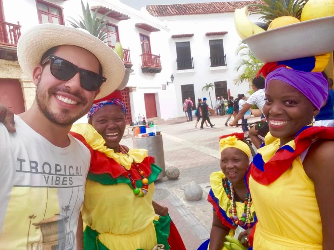 Selfie with palenqueras of Cartagena, Colombia