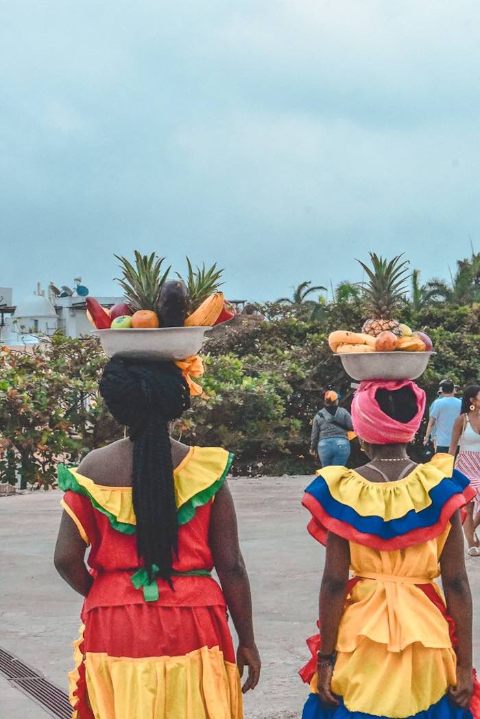 Palenqueras: one of the most important things to see in cartagena