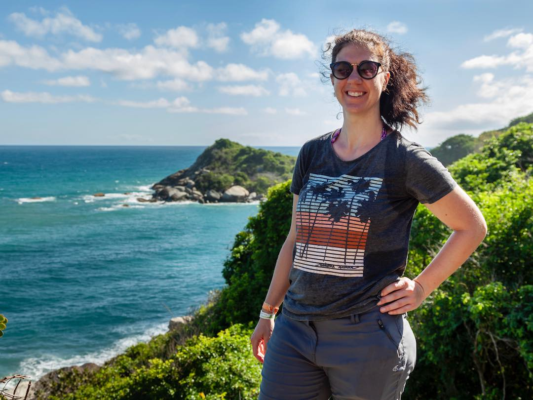 Solo female traveller hiking Parque Tayrona with Other Way Round travel group