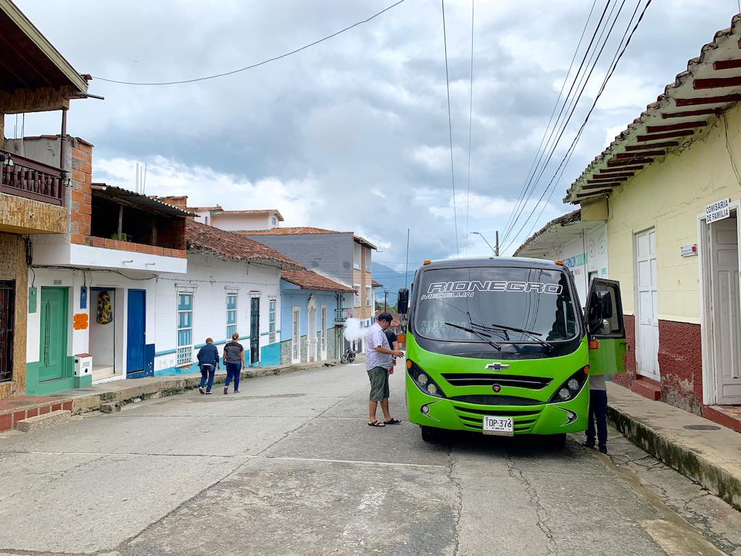 getting the bus from medellin to guatape