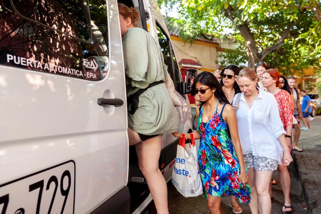 catching the bus to parque natural nacional tayrona