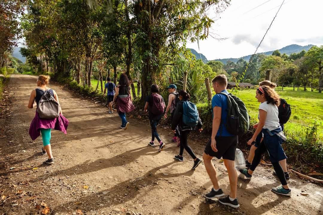 hiking to la cueva el esplendor in colombia